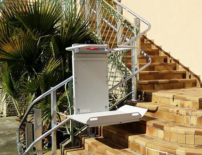 Plateforme monte-escaliers pour extérieur